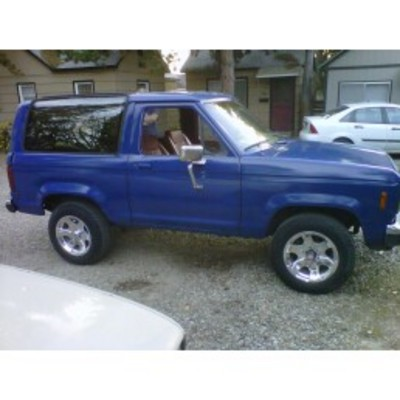 Customers rides early ford bronco classic broncos 4x4 for Bronco motors boise idaho